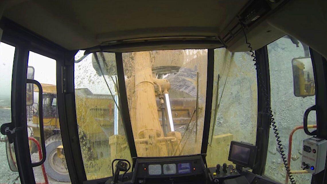 Automation_mining_UG_DigAssist_loader-1140x642