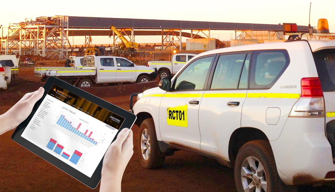 ET_For_LIGHT_Vehicles_Tablet-with-Prado_AUS_1080pxl-1